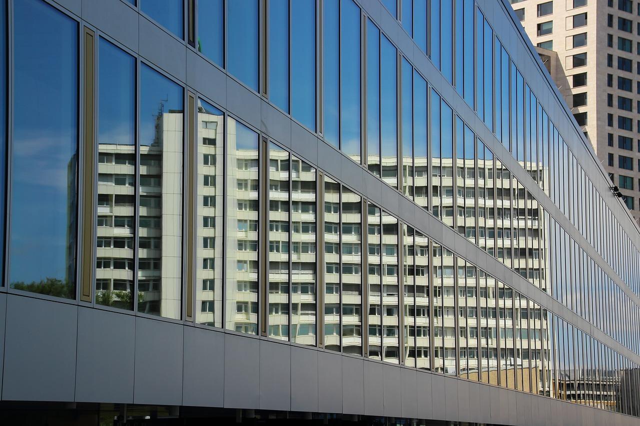 skyscraper-373365_1280.jpg